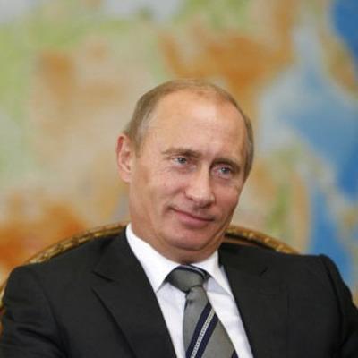 Путин поручил создать единый учебник истории о дружбе народов