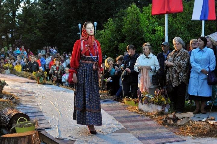 """Реконструированные народные костюмы покажут на """"Сарафане"""" в Великом Новгороде"""