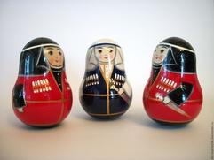 Жители Санкт-Петербурга увидят матрешек-неваляшек в костюмах народов Дагестана
