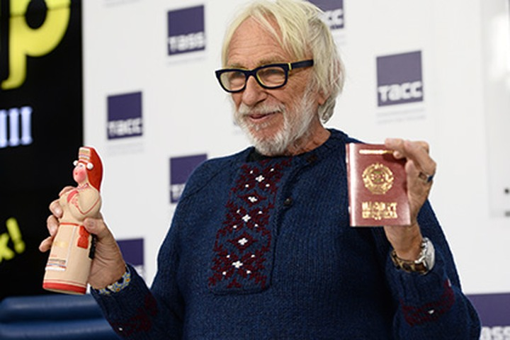 "Актер Пьер Ришар получил ""паспорт мордвина"""