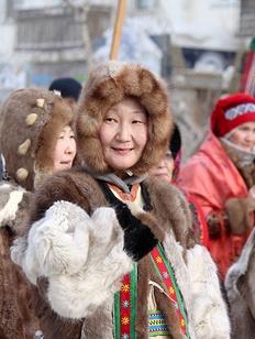 Якутские мастера устроили шествие в национальных костюмах