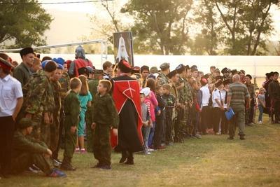Юных казаков Петербурга впервые посадят на коня