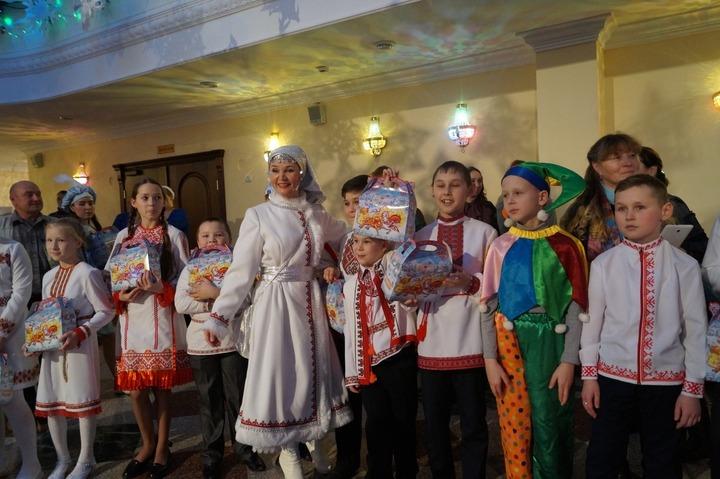 Марийцы устроят новогодний праздник в двух форматах
