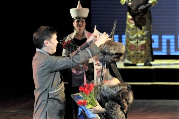 Бурятских Баатара, Дангину и Хатан выбрали в Улан-Удэ