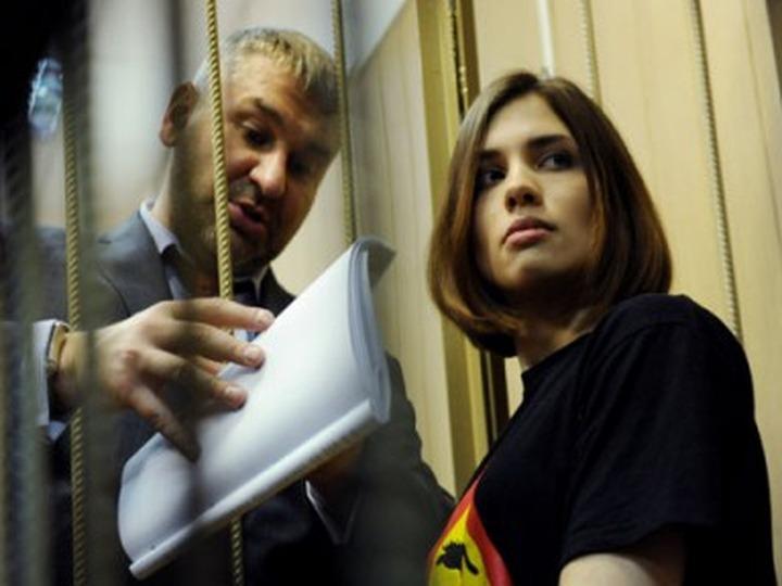 В колонии активистку Pussy Riot Надежду Толоконникову опекает националистка Евгения Хасис