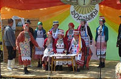 """Ценители удмуртских традиций приняли участие в фольклорном фестивале """"Дорвыжы"""""""