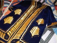 Организация в Коми заплатит штраф за взятку узбекским халатом