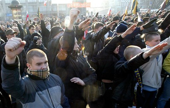 Путин подписал закон об ужесточении наказания за нацистскую и экстремистскую символику