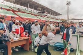 В армрестлинге и ходьбе на ходулях посоревнуются участники фестиваля культуры и спорта народов Кавказа