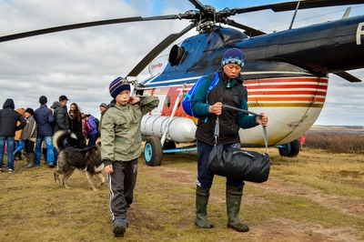 Маленьких тундровиков Ямала начали собирать в школы