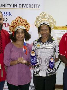 Кокошник и матрешку показали жителям Папуа-Новой Гвинеи