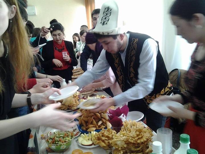 На студенческом конгрессе народов Центральной Азии в Барнауле отпраздновали Новруз
