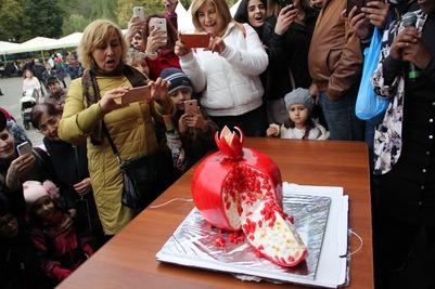 """Азербайджанский праздник """"Гранат"""" в Москве"""