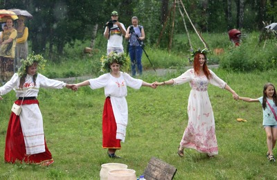 Сибирские прибалты отметили в Красноярске Янов день