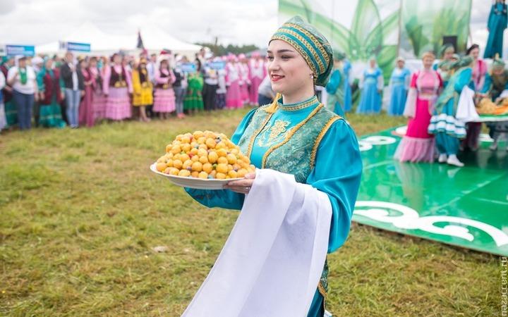 Бег с коромыслом и бой горшков пройдут на Сабантуе в Челябинской области
