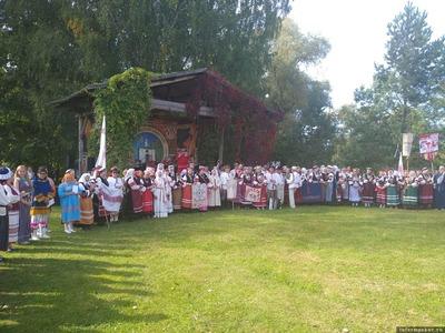 Народные гуляния сето из двух стран прошли в Псковской области
