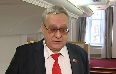 В Югре депутата от КПРФ обвинили в избиении и оскорблении продавщицы по национальному признаку