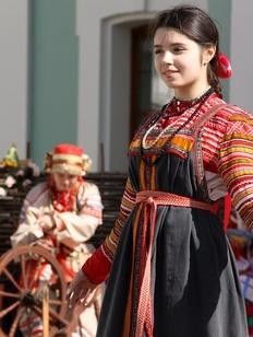 Лучшие этнические костюмы определят на фестивале в Пскове