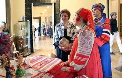 """Выставка народных промыслов России открылась на """"Русских сезонах"""" в Италии"""