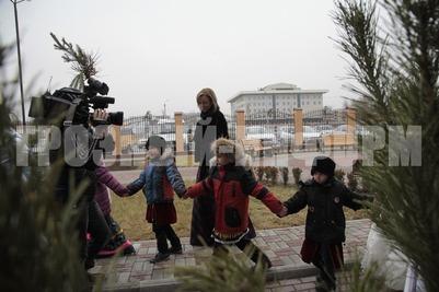 """Новогодний """"Хоровод дружбы"""" провели в Грозном"""