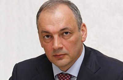 Путин поручил экс-главе Дагестана Магомедову организовать работу  президентского совета по межнациональным отношениям