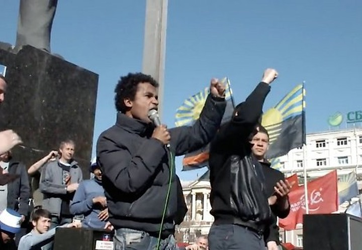 Латвийского нацбола Бенеса Айо выдворили из Украины в Лондон