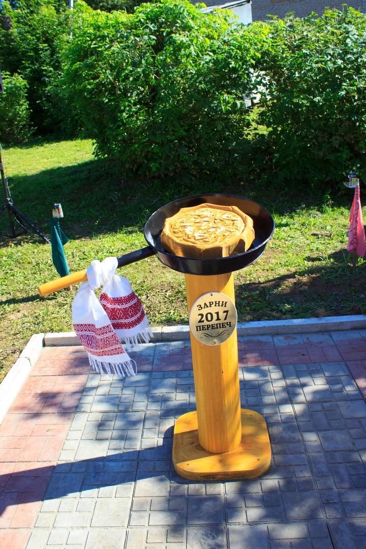 Памятник Золотому перепечу установили в Удмуртии