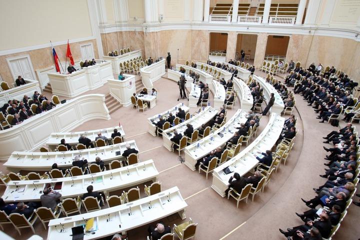 В Заксобрании Петербурга отказались вызвать начальника полиции из-за смерти младенца