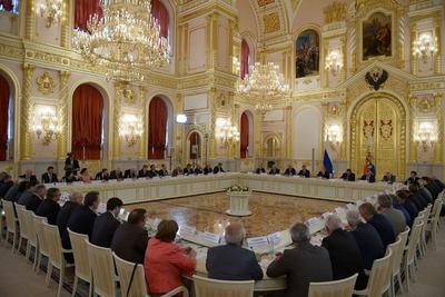 Члены Совета по межнациональным отношениям попросили президента заняться русским языком