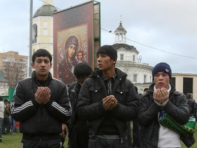 Соцопрос: В России количество православных уменьшается и растет число мусульман