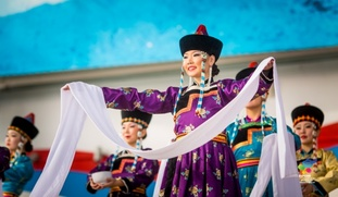Пять российских народов празднуют наступление Нового года
