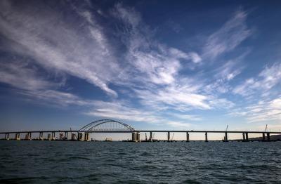 Автопробег по Крымскому мосту пройдет в честь крымско-татарского флага