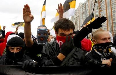 Задержанные в Петербурге националисты пожалуются на условия содержания в полиции и суде омбудсмену России