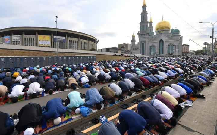 Около 240 тысяч человек отпраздновали Курбан-Байрам в Москве