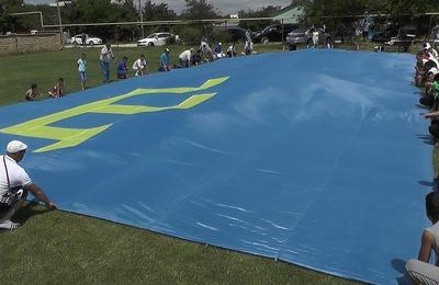 Украина и Крым меряются флагами