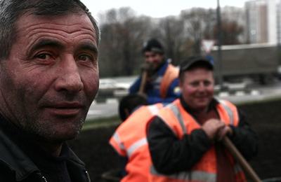 Власти Петербурга проведут для мигрантов фестиваль христианских искусств