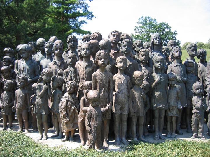 Меньше четверти россиян не знают о геноциде евреев и армян