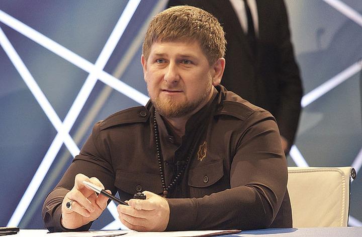 В паспортах чеченских юношей укажут национальность и род