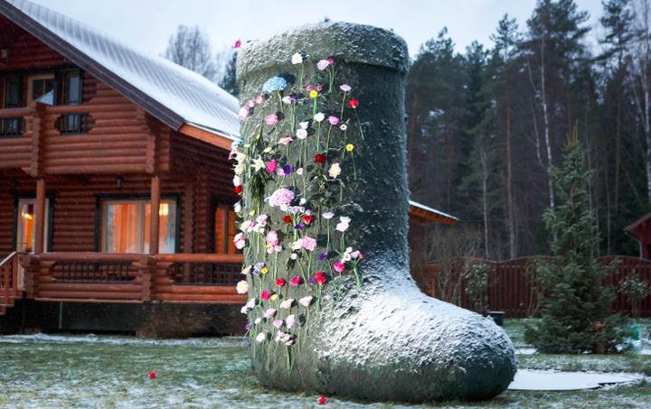 Трехметровый валенок совершит путешествие по Ленинградской области