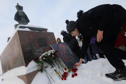 Антифашистское шествие в память о Маркелове и Бабуровой прошло в Москве