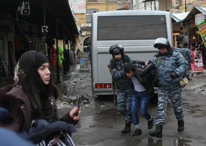 Национальные диаспоры собрали народные дружины для охраны Апраксина двора в Петербурге