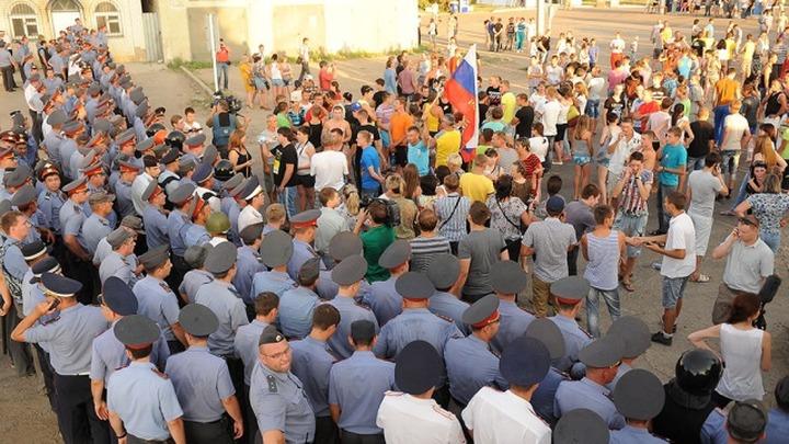 Жители Пугачева попытались перекрыть железную дорогу