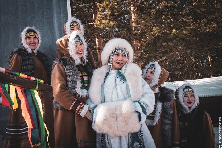 Школы Иркутской области получат новые учебники бурятского языка