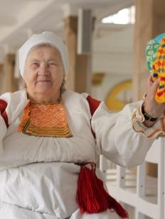 Бабушки из Ленинградской области сохранят культуру коренных народов с помощью шерсти