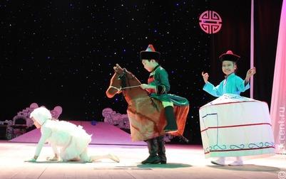 Бурятские юмористы записали видеоролики о традициях Сагаалгана