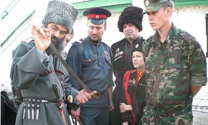 Российские казаки набирают добровольцев на сельскохозяйственный съезд в Крыму