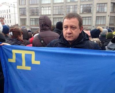 На шествии памяти Немцова подняли крымскотатарский флаг