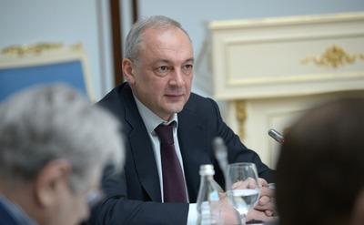 Магомедов проголосовал по поправкам в Конституцию