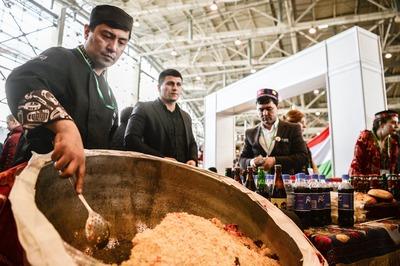 В честь Навруза таджики накормят москвичей пловом бесплатно