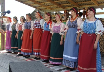 Жители пяти районов Карелии сошьют коллекцию национальных костюмов